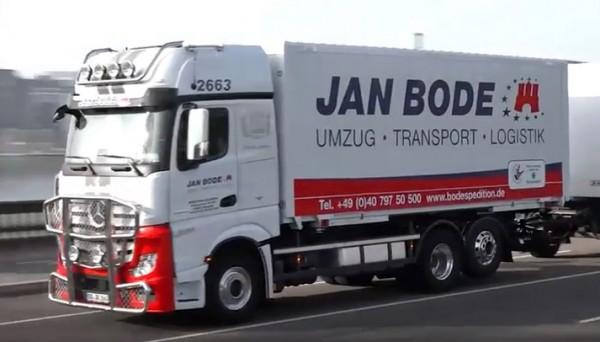 """HERPA 927765 Mercedes Benz Actros Bigspace Wechselkoffer Hängerzug 3a / 2a""""Jan Bode"""""""