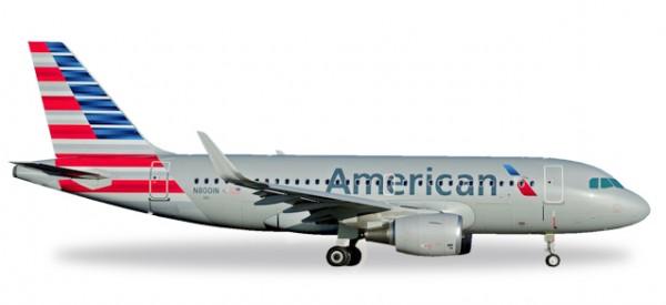 HERPA 530835 American Airlines Airbus A319 - N8001N