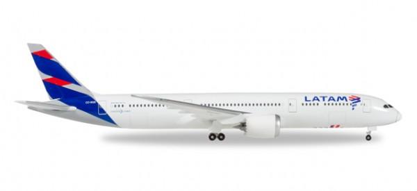 HERPA 530231 LATAM (Chile) Boeing 787-9 Dreamliner - CC-BGB