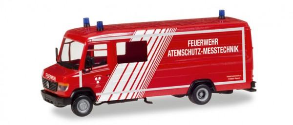 """HERPA 093545 Mercedes-Benz Vario Langkasten GW-A/S """"Feuerwehr Landshut"""""""