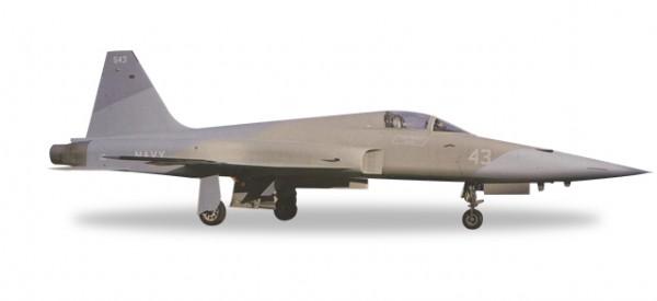 "HERPA 558099 U.S. Navy Northrop F-5E Tiger II - TOP-GUN, NAS Miramar - ""Heater VSR color scheme"""