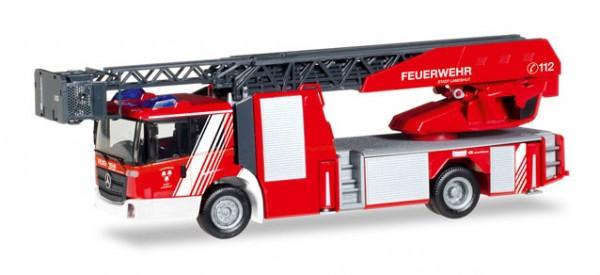 """HERPA 093521 Mercedes-Benz Econic Drehleiter """"Feuerwehr Landshut"""""""